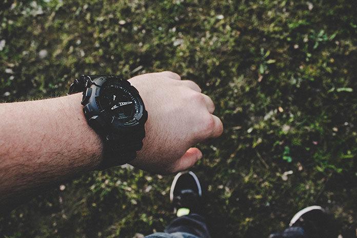 Czy warto kupić zegarek podróżniczy